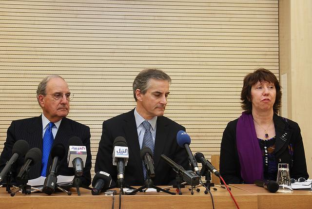 George Mitchell, Jonas Gahr Støre og Lady Catherine Ashton