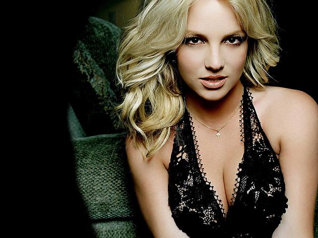 Hot Britney Spears Wallpaper 1024 X768-11