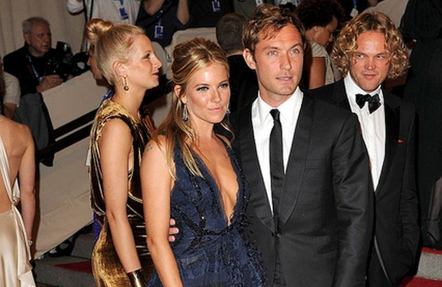10 Famous Men Who Cheated On Beautiful Women