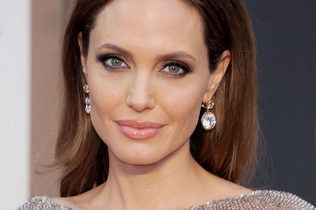 Angelina Jolie Beautiful Actress 4-1024 X681