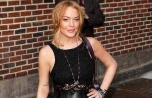 Lindsay Lohan flat broke in bar