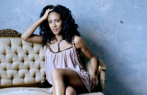 Hollywooddesktop Jada Pinkett Smith 001-1920 X1200